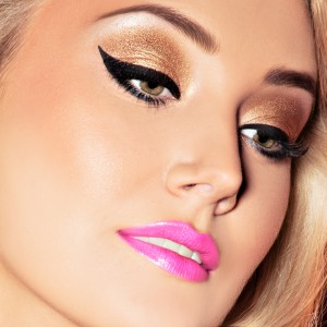 The Perfect Face makeup artst course based in Houston Texas, Danielle Doyle  celebrity makeup artist offers one on one and group classes for new and ...